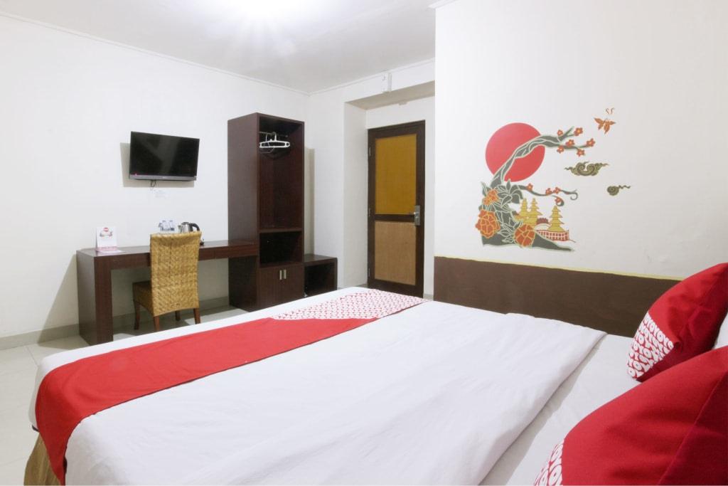OYO 129 Basura City Apartment, East Jakarta