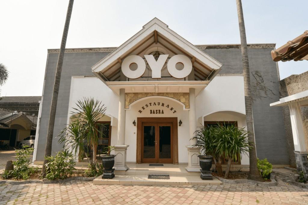 OYO 1232 Hotel Basra, Tuban