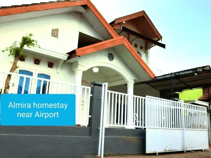 Almira Homestay near Airport, Jambi