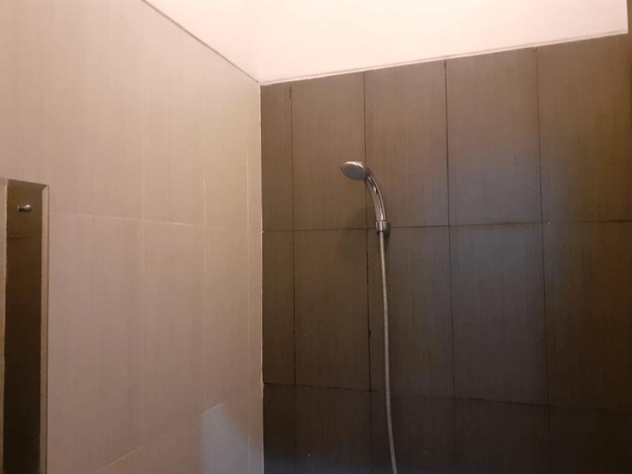 OYO 3251 D'daun Inn, Karawang
