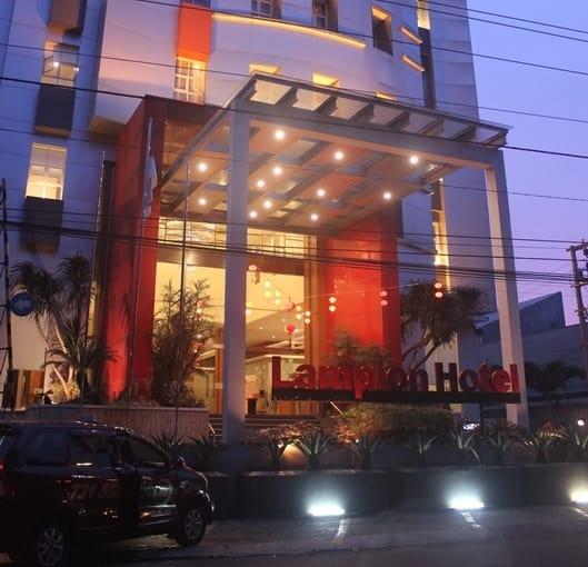 Lampion Hotel Solo, Solo