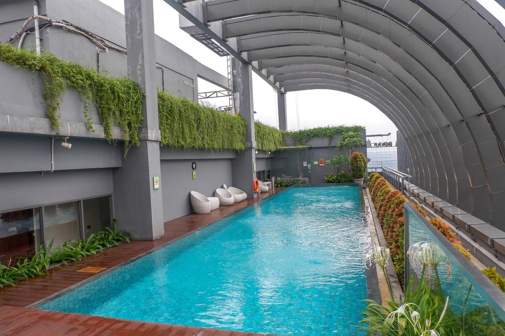 Best Price 2BR L'Avenue Apartment By Travelio, Jakarta Selatan